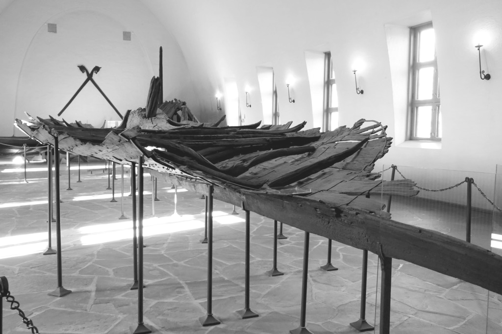 Tune Ship was the first Viking ship to be excavated. But the unprofessional excavation in 1867 left the Tune ship marks and damaged it to a certain extent