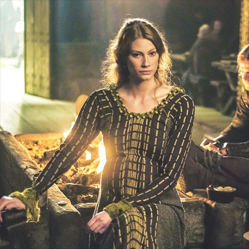 Aslaug the Queen in Viking legends